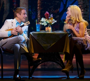 Tony Danza and Brynn O'Malley in 'Honeymoon in Vegas' (Photo: Joan Marcus)
