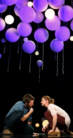 Gyllenhaal and Wilson in 'Constellations' (Photo: Joan Marcus)