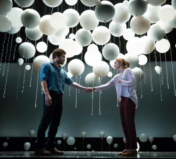 Jake Gyllenhaal and Ruth Wilson in 'Constellations' (Photo: Joan Marcus)