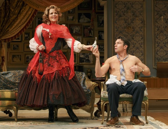Fleming and O'Connell in 'Living on Love' (Photo: Joan Marcus)